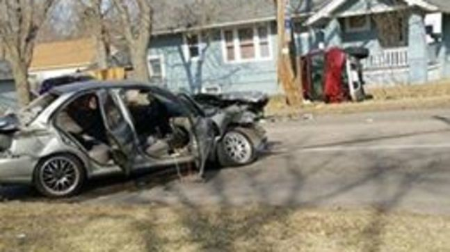 Police looking for driver after two-car crash in Grand Island | KHGI