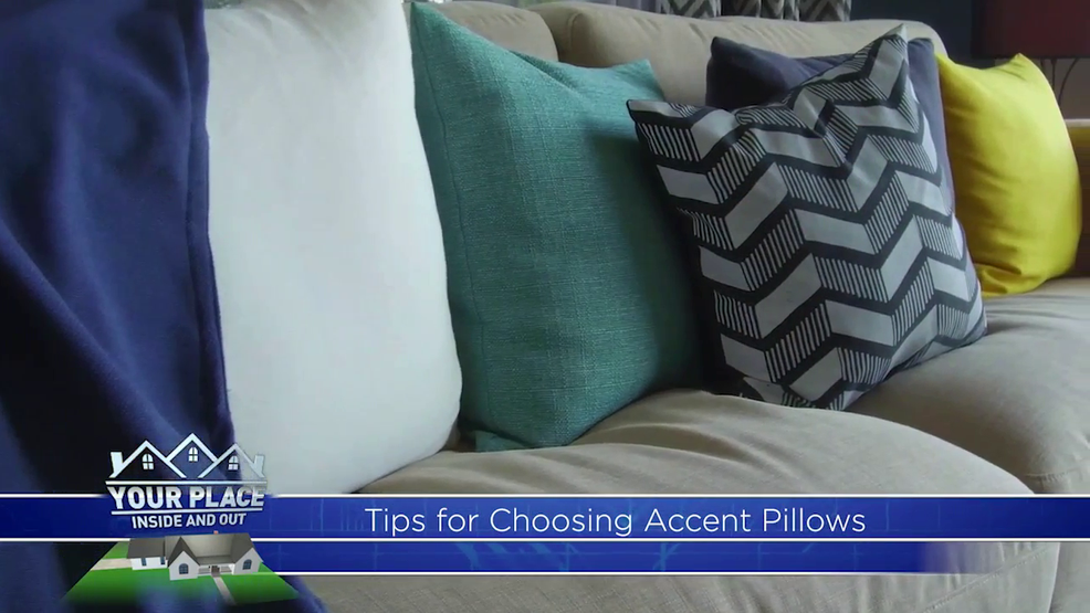 how to use decorative pillows how to use pillows for decoration khgi how to use throw pillows on a bed how to use pillows for decoration khgi